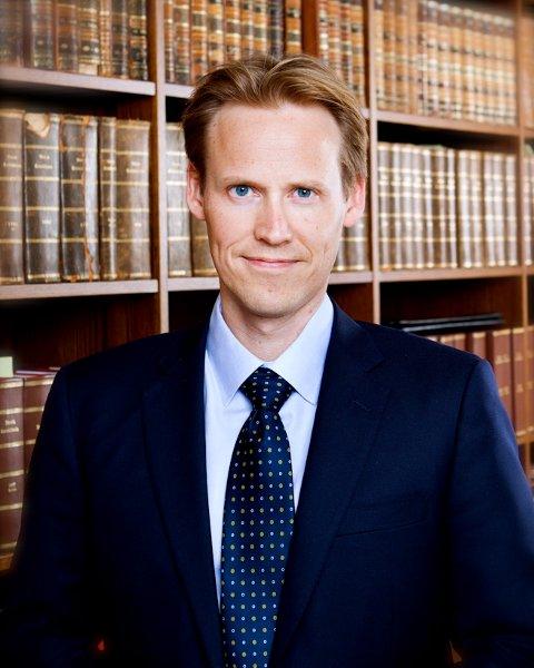 Reagerer: Arbeidsrettsadvokat Eivind Arntsen reagerer kraftig på Dima Delievas kontrakt.Foto: Ellen Johanne Jarli