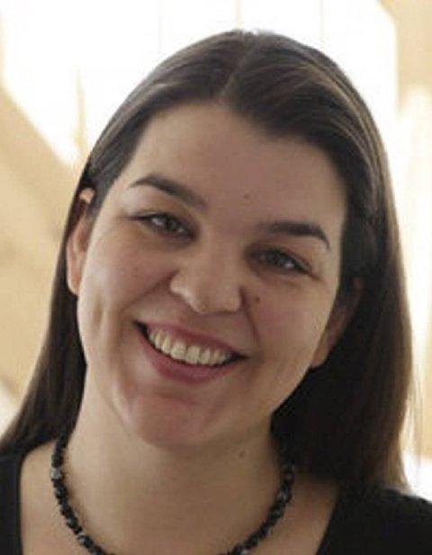 Ingrid Prøsch. Eier og driver Tilknytningspedagogene ( www.tilknytningspedagogene.no) . Prøsch er utdannet fagpedagog (cand.paed.) fra Universitetet i Oslo og er mamma til tre barn.
