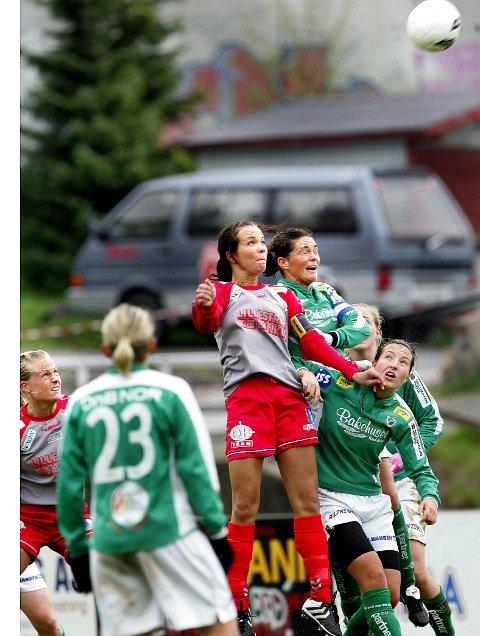 HØYT OPPE: Til tross for at hun trives best på bakken, er Maritha Kaufmann Team Strømmens luftbaronesse. I dag skal hun stoppe Fløya, slik hun gjorde i fjor. FOTO: LISBETH ANDRESEN