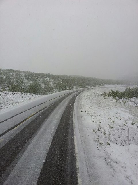 Også Jan Erik Kristoffersen passerte Hauksjøen torsdag morgen, og ble overrasket av sørpe på veien.