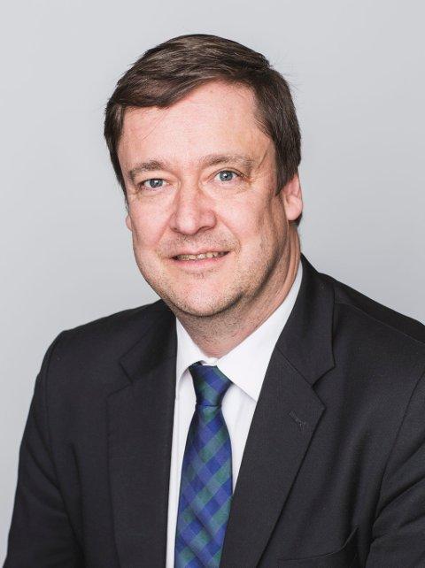 """Advokat John Christian Elden skal se på Øygard-saken med """"nye øyne""""."""