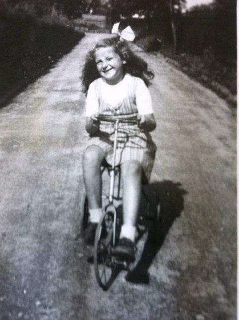 Wenche Kronhaug som barn.