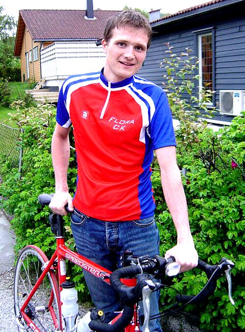 KJEMPETID: Mikael Johansen imponerte med ei kjempetid på det tradisjonsrike sykkelløpet Bergen  Voss i helga. Foto: Jens Petter Kjelsnes