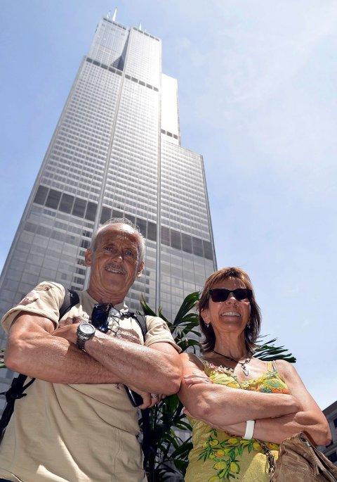 Bjerkvik-paret startet turen i Chicago. Ett obligatorisk stopp i midtbyen var gigantiske Sears Towers med sine over 400 meters høyde.