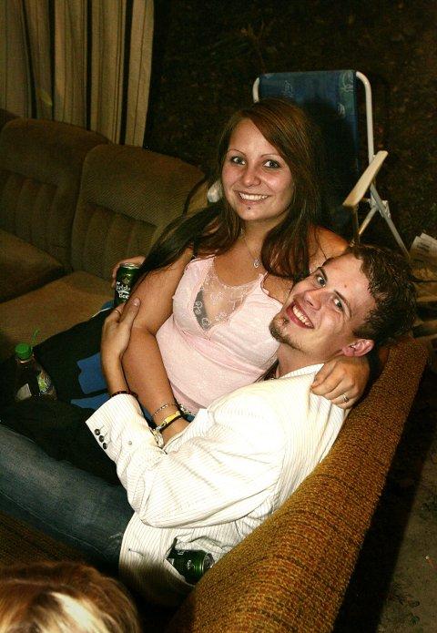 Kjæresteparet Lene Terese Bjotvet og Håvard Vang likte seg veldig godt på Audunbakken.