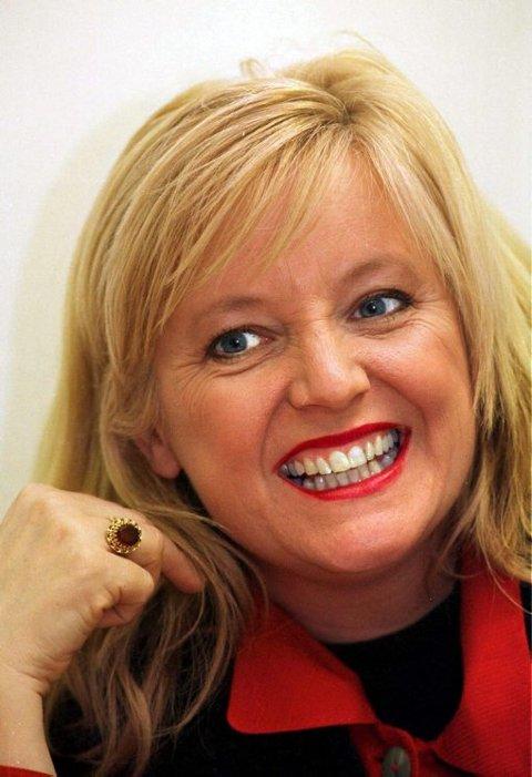 TRENGER HJELP: Hanne Krogh vil ha mannlig syngehjelp fra Telemark.