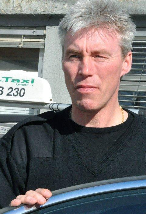 DROSJESJÅFØR: Sigbjørn Julien og resten av drosjenæringen i Indre Østfold er lei av ulovlig kjøring. ARKIVFOTO
