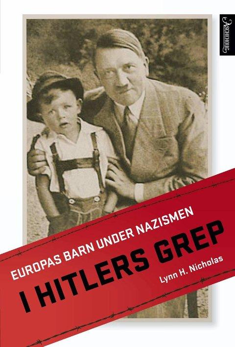 Bokomslag I Hitlers grep