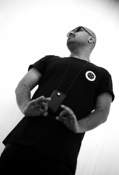 Politisk rap: Aon Raza Naqvi deltar i en konkurranse der politisk rap hentes fram som uttrykk før valget til høsten.