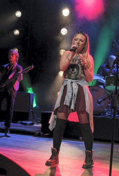 SANG: Ingrid Bjerke (14) deltar i kategorien scene.