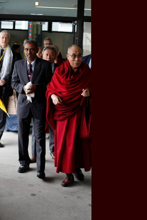 Daiai Lama ankom Oslo Lufthavn Gardermoen onsdag morgen.