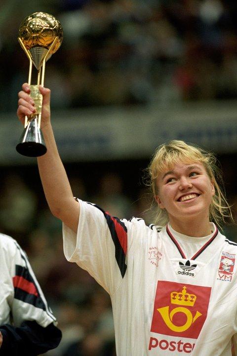Starten: Leganger tok håndballverden med storm med sine prestasjoner som 18-åring under VM i 1993. Det endte med bronsje for Norge selv om Lenganger sto til gull.