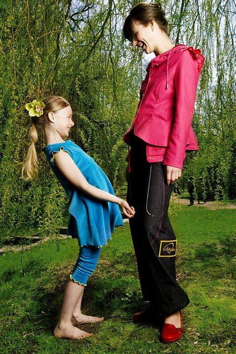 Liten og stor: Marianne Majewski Berg designer klær både for voksne og barn. (Foto: Xenia Villafranca)