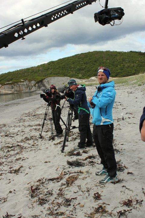 Innspillingsleder Kristian Møyland og to av fotografene er klare til opptak.