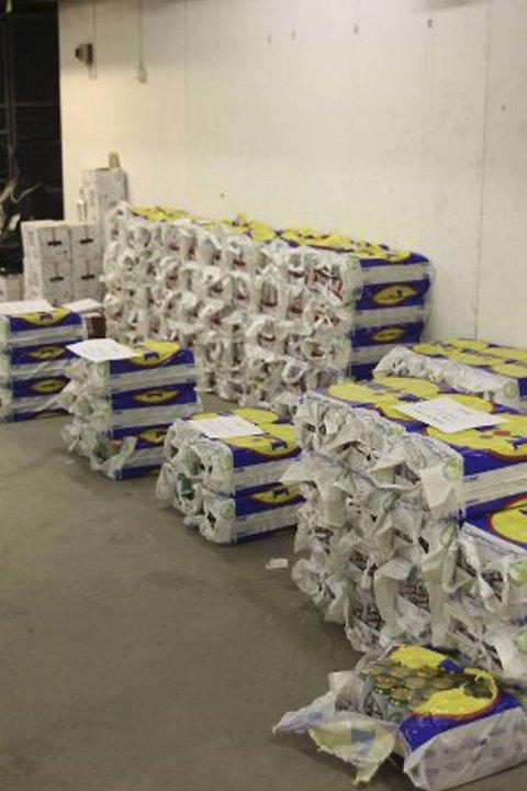 Nesten 2000 liter øl ble funnet i tilsammen tre biler som ble tauet inn i Odda denne helgen.