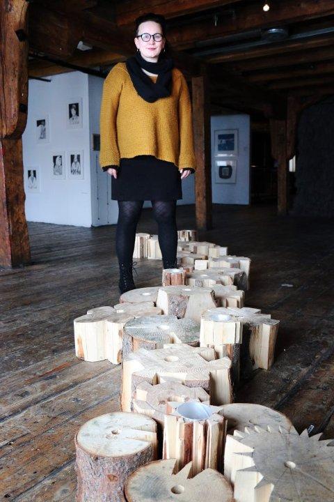 - FANTASTISK: Marita Isobel Solberg er midt i Tromsø Open, og hun forteller begeistret om et levende arrangement. I tillegg til å vise fram det den visuelle kunstscenen i Tromsø har å by på, retter arrangørene blikket fremover, og skuer mot kunstscenens liv i byen i fremtida. I går var det paneldebatt om temaet.