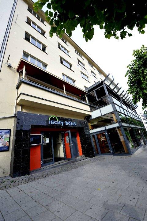 På Incity Hotel & Apartments i Øvre Ole Bulls plass 3 solgte de to venninnene seksuelle tjenester denne helgen.