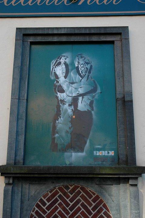 Dette verket av den anerkjente gatekunstneren Dolk ble stjålet fra Finnegan's vinduslem i fjor, og er ikke funnet.