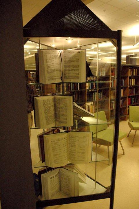 Koranutstilling på biblioteket