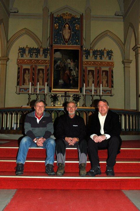 JUBILEUM:  Prosjektleder Olav Simon, kirketjener Herbert Heiertz og menighetsrådsleder Atle Olav Ljåstad er sentrale i forberedelsene til Hønefoss kirkes 150-årsjubileum.