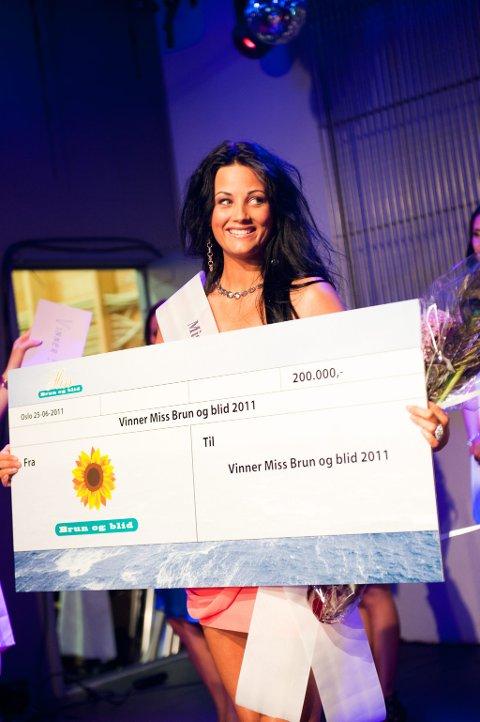 Her er vinnaren av årets Miss Brun og blid-konkurranse, Camilla Teksum.