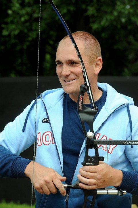 Bård Nesteng skal være med i  bueskyting under OL i London