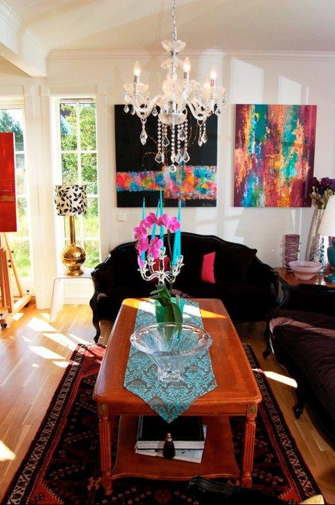 HJEMMEKOSELIG: Dette er ikke familiens private stue, men derimot en del av hovedrommet i Atelier Eureka.