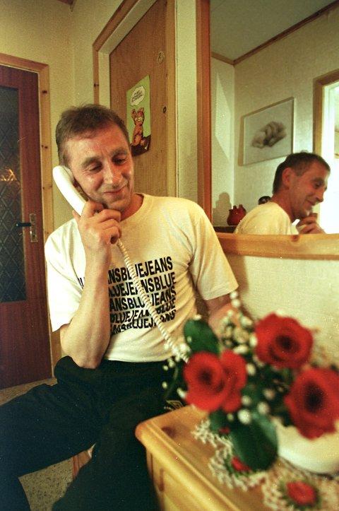 Stein-Harald Enoksen. Her i lykkeligere omstendigheter da han vant 7,8 millioner kroner i Lotto i 1999.
