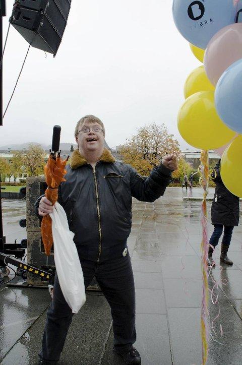 Det var stor glede over at TV BRA snart setter igang. Atle Hjortland var med på ballongslipp av 300 ballonger.