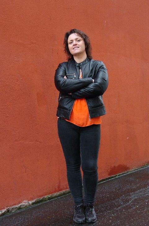 PERSONLIG:    Låtene på albumet er mine, og tekstene handler om meg og mitt liv, sier Heidi Kvalholm Blåsmo.   (Foto: Jan Erik Teigen)