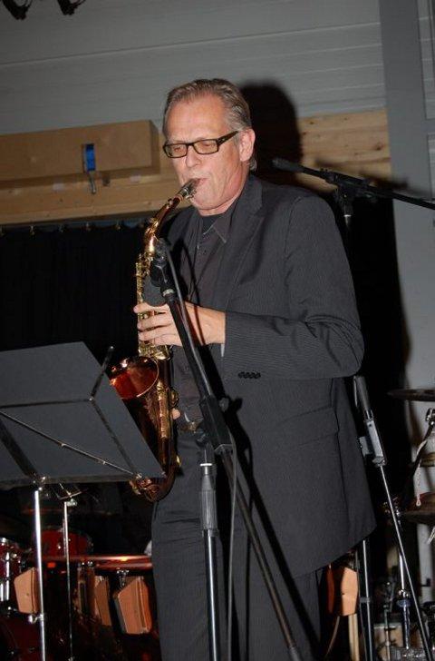 SAKSOFON: En levende legende ble Guttorm Guttormsen omtalt som under konserten «Lyden av Bamble 2010: Jazz og brass».