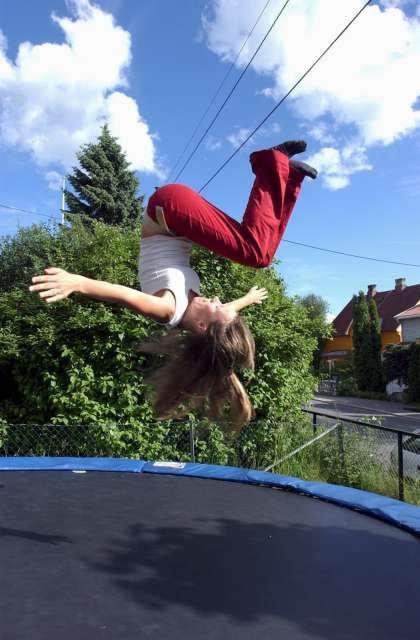 Såkalte fritidsrelaterte ulykker øker om sommeren. De siste årene har trampoline-ulykkene vært blant dem som øker mest.