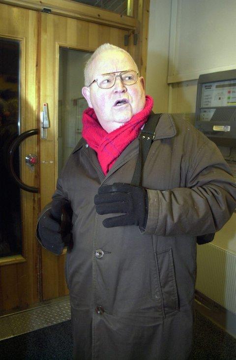 FRYKT Simon Strøm er ikke enig i at han skremmer gamle folk. Det er det Tromsø kommune som gjør, mener han.