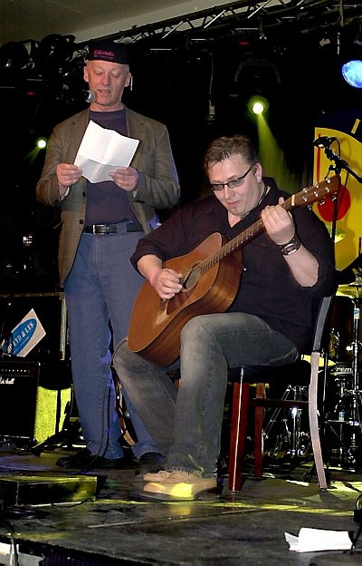 Inge Myrvoll og Bjørn Varpen startet kvelden med sin blå hyllest til byen og musikken. Det visste publikum å sette pris på.