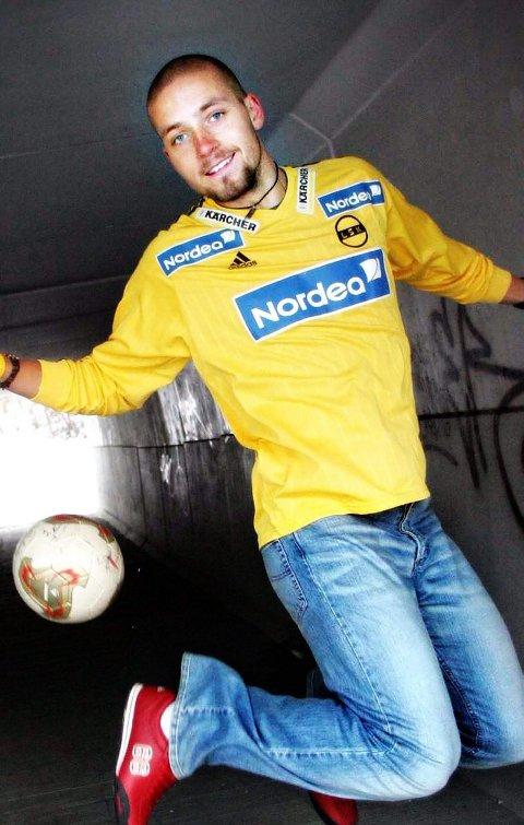 COMEBACK: Andreas Thorud fikk Tippeligaminutter for LSK. Nå gjør han comeback i 2. divisjon med Lørenskog.   Andreas Thorud. Kutter fotballen, reiser til Cuba!