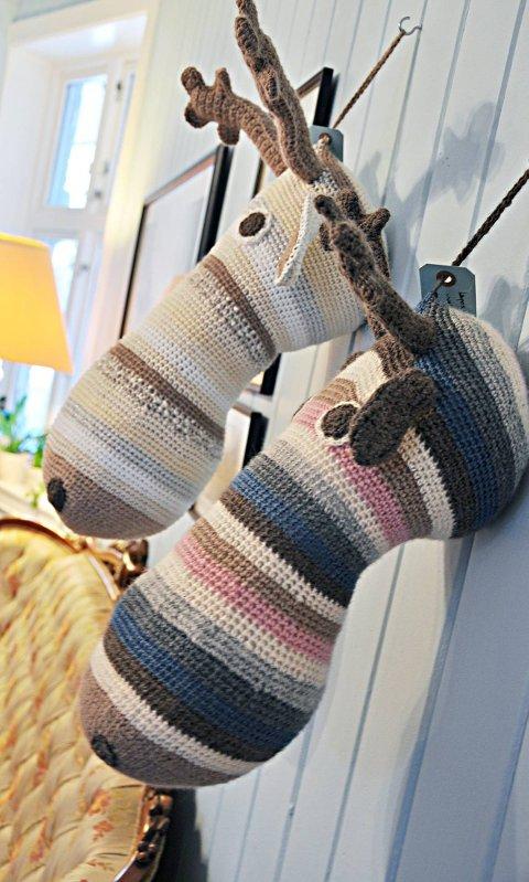Sofa eller vegg: Elgene kan også brukes som puter.