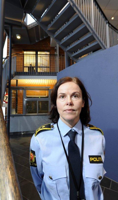 Politiadvokat Nina Lunde bekrefter at det er tatt ut formell siktelse mot Ranas rådmann, teknisk sjef i kommunen samt en av kommunens forretningsforbindelser. Foto: Øyvind Bratt