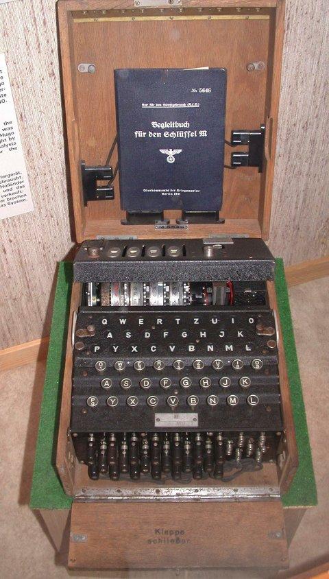 Enigma  Gresk  G U00e5te  Var Det Tyske Navnet P U00e5 Kodemaskinen