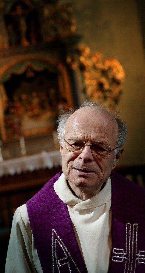 TVILER I BLANT | John Olav Stokstad Larsen innrømmer at han tviler i blant. - Det motsatte av tro og tvil er et kaldt og likegyldig hjerte, sier han.
