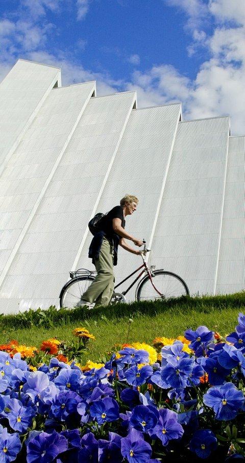 SYKKELBY: Lørdag 21. september blir det markering av mobilitetsuka i Tromsø. Da vil Tromsø kommune, Troms fylkeskommune, Statens vegvesen og Grønn Hverdag vise mulighetene for grønn mobilitet i byen vår. Foto: Yngve Olsen Sæbbe