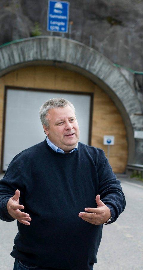 Bård Hoksrud sier han vil stå på for rask bygging av E16.