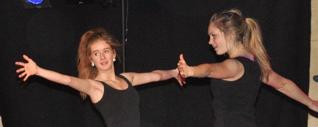ELEGANT: Dansere fra Dansehuset.