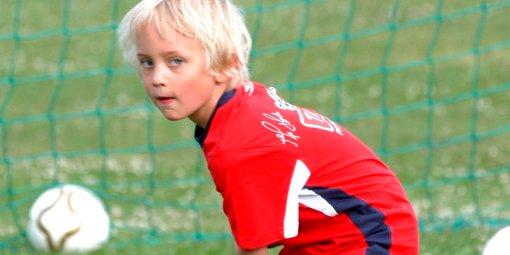 Emil Brendstuen var en av 140 deltakere på fotballskolen.