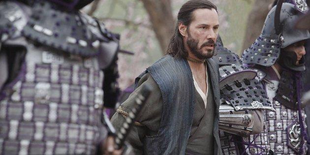 Keanu Reeves er mest med for å garantere at man har et kjent navn å klistre på plakaten i «47 Ronin», men han er faktisk ingen belastning.