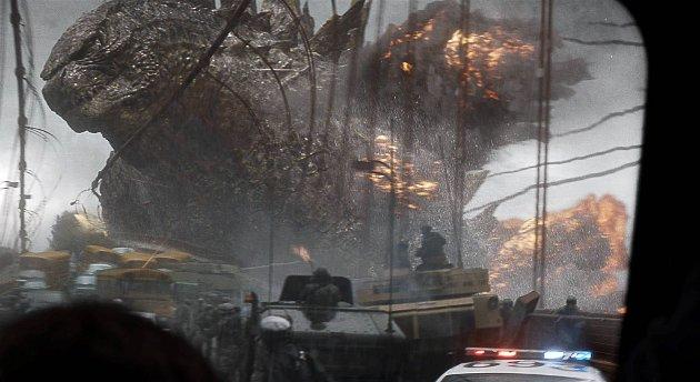 monsterkamp og masseødeleggelses-scener fascinerer fortsatt.
