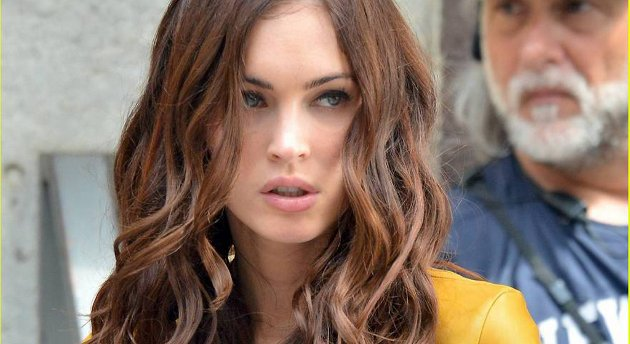 Megan Fox spiller TV-journalisten, April O'Neil i «Teenage Mutant Ninja Turtles». Skilpaddene hun hadde som kjæledyr som liten, er blitt særdeles storvokste, men trenger Aprils hjelp til å få reddet New York.