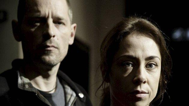 Det er klart for nye bestialske drap for Sarah Lund (Sofie Gråbøl) og hennes kollega.
