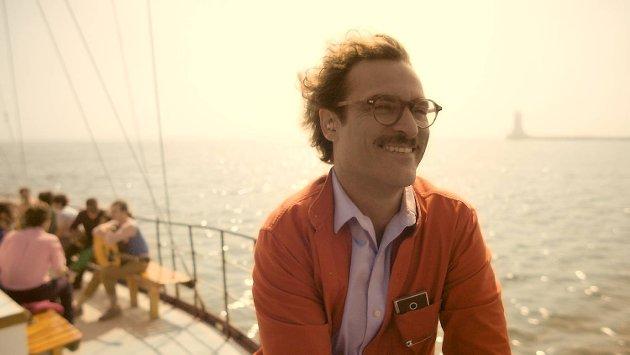 BAs anmelder synes det er rart at ikke Joaquin Phoenix er nominert til Oscar for rollen i «Her».