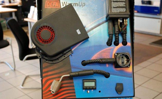 FORVIKLINGER: Artikkelforfatteren skulle få montert motorvarmer/kupevarmer. Men hvorfor gjøre det billig og enkelt når man kan gjøre det dyrt? Illustrasjonsfoto: Bjørnar Larsen