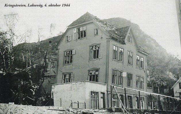 """Kringsjåveien, Laksevåg, 4. oktober 1944. Lastet opp på fotomuseum.bergen360 av Orly. FOTO: fra boken. """"Bergensværet"""" Kapabel Forlag."""